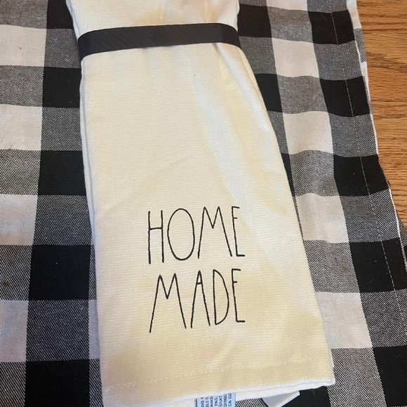 Rae Dunn Two Piece Kitchen Hand Towels